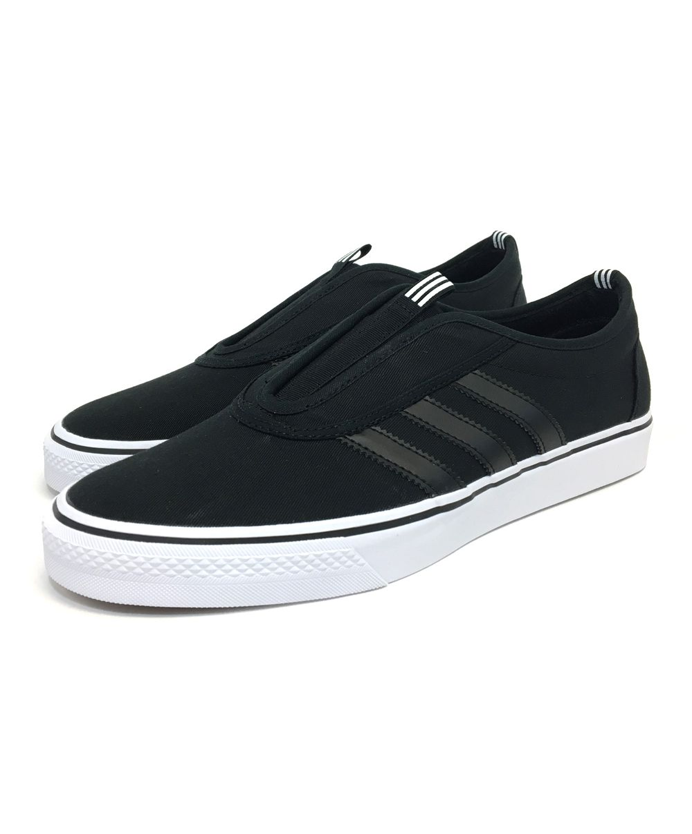 adidas. ADI Ease Kung Fu. Black.
