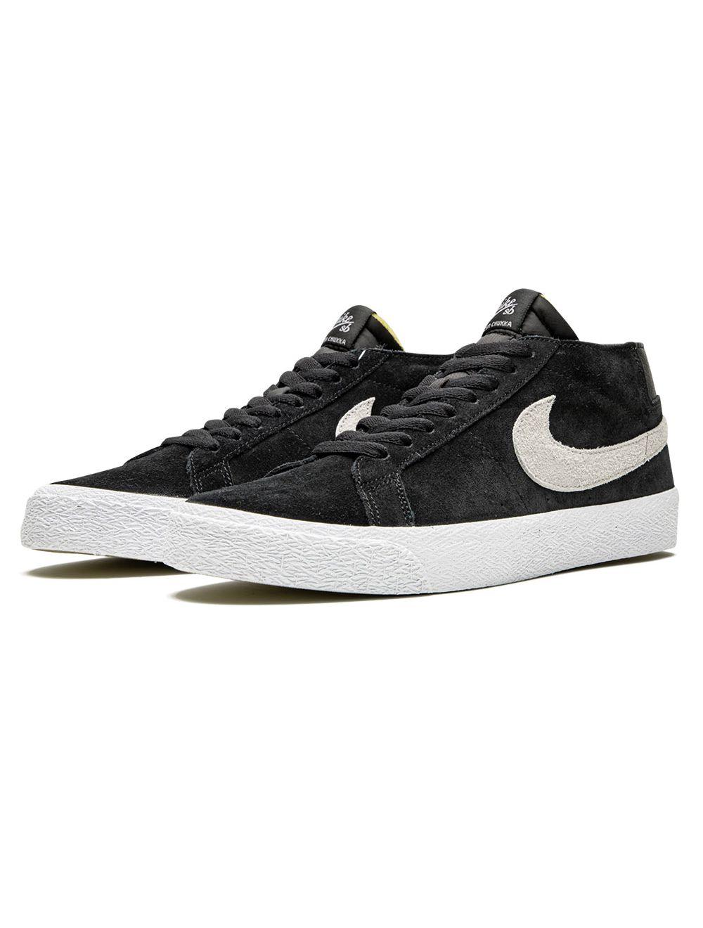 Nike SB. Zoom Blazer Chukka. Black